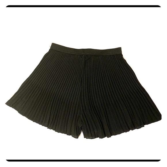 Pants - Pleated shorts